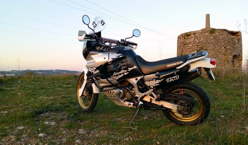 Honda Africa Twin RD07 cheio